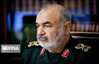 سرلشکر سلامی در تماس تلفنی با وزیر بهداشت: آمادگی سپاه برای ارائه خدمات برای مقابله با شیوع کرونا