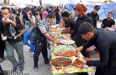 روزانه ۳۰۰ هزار وعده غذایی در مرز مهران توزیع میشود