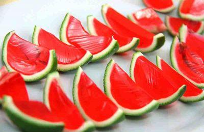 طرز تهیه انواع ژله هندوانهای برای شب یلدا