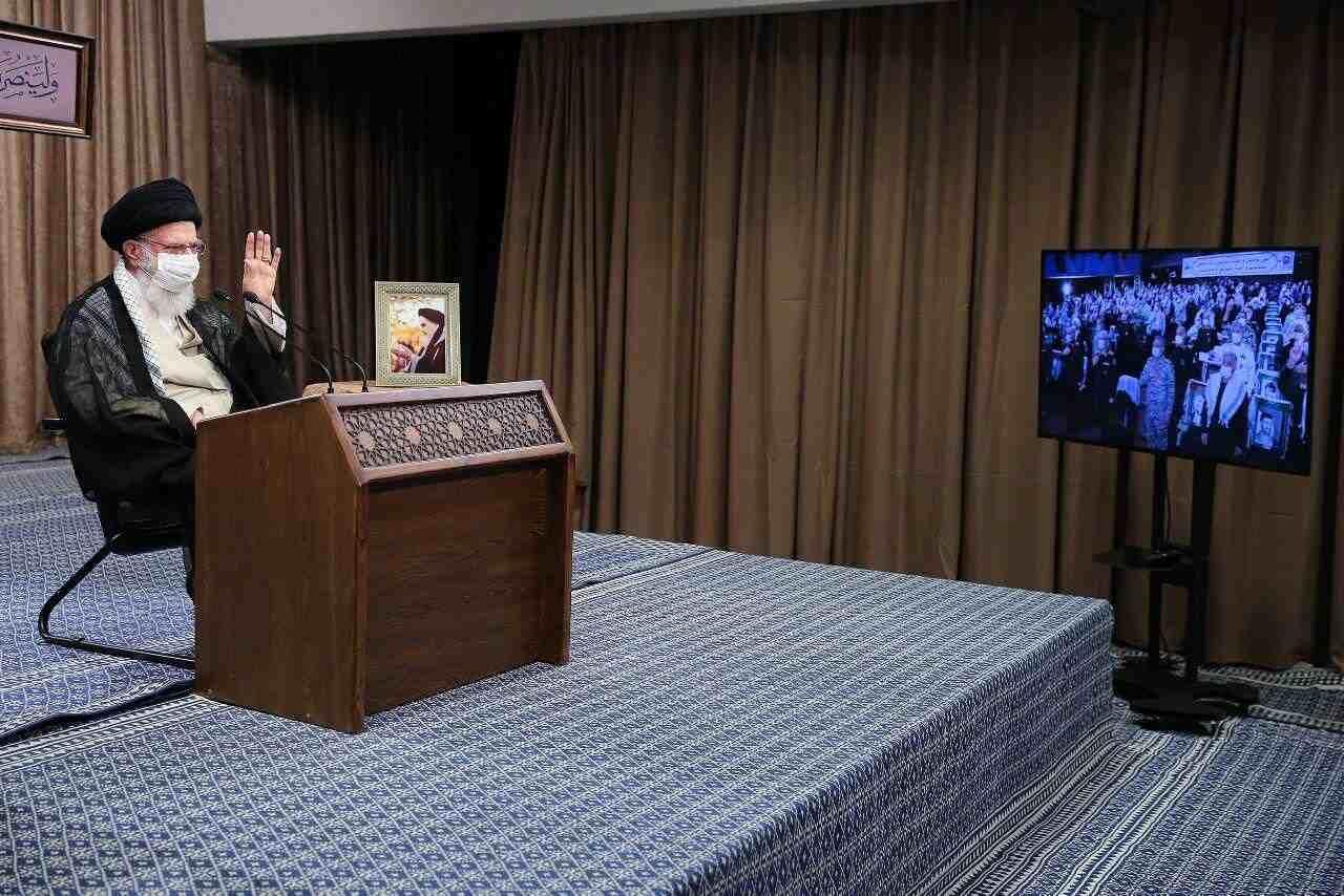 در آیین تجلیل از پیشکسوتان دفاع مقدس/ رهبر انقلاب: دفاع مقدس از عقلانیترین حرکات ملت ایران بود/ کرونا به دست مردم علاج می شود