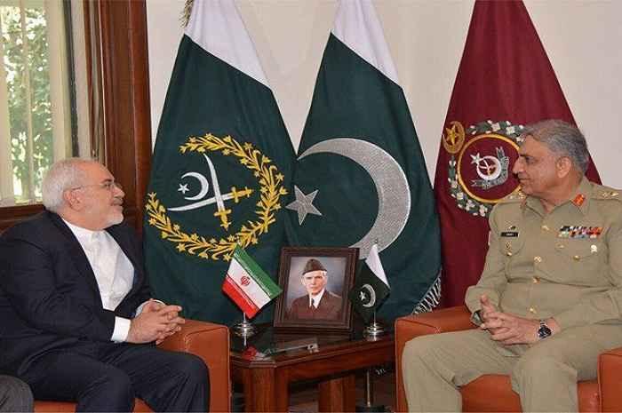 ظریف با فرمانده ارتش پاکستان درباره تحولات منطقه گفت وگو کرد