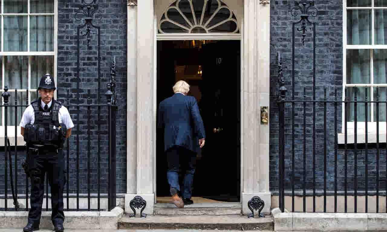 روایت گاردین از چالشهای پیش روی نخست وزیر جدید انگلیس
