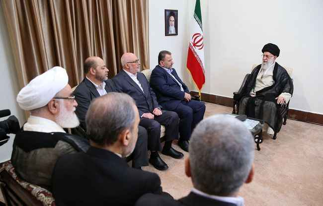 رهبر انقلاب اسلامی در دیدار هیات عالیرتبه از جنبش مقاومت اسلامی : موضوع فلسطین قطعاً به نفع مردم این کشور و دنیای اسلام تمام خواهد شد