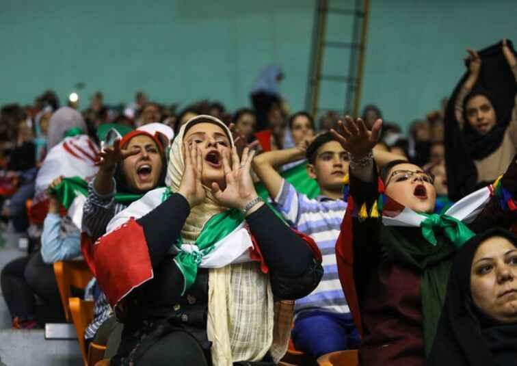 گیتهای ویژه ورود زنان به ورزشگاهها نصب شد