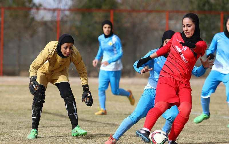 تیم فوتبال پالایش گاز ایلام میزبان تهرانی خود را شکست داد